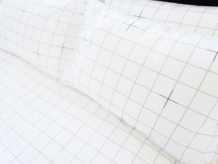 custhom-bedding-eve-sleep-check-pillows