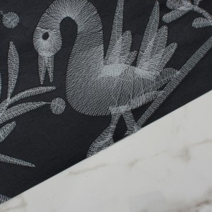 AVES---BLACK---DETAIL-SHOT