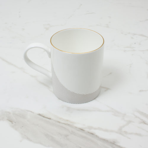 CURVE-MUG-1--SIDE-SHOT