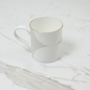 CURVE-MUG-2--SIDE-SHOT