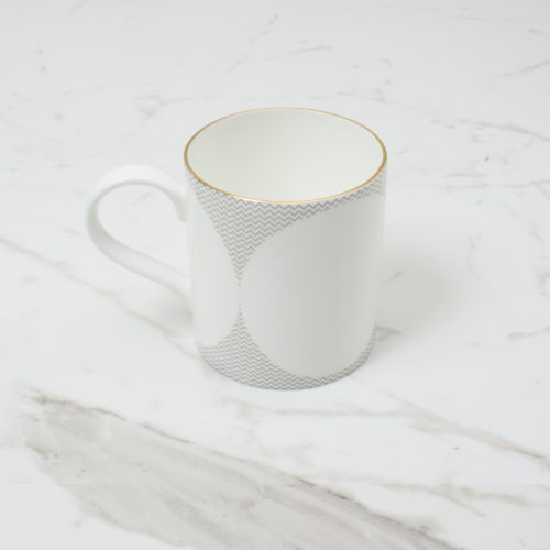 CURVE-MUG-3--SIDE-SHOT