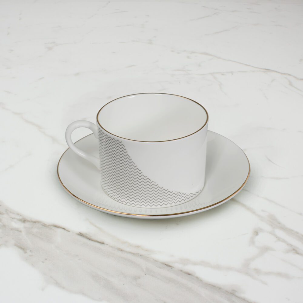CURVE-TEACUP-1--SIDE-SHOT