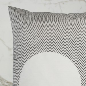 CURVE_CUSHION_BLACKOUTSIDE_DETAIL